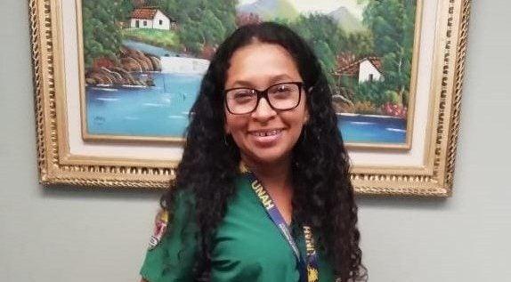 HISTORIA HUMANA: Iris Baquedano, sus labores domésticas la impulsaron a ser nutrióloga