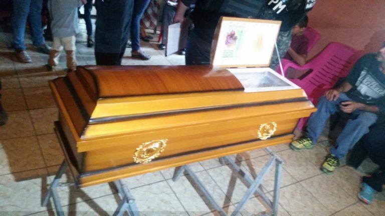 Niña de dos años muere asfixiada dentro de vehículo en San Lorenzo