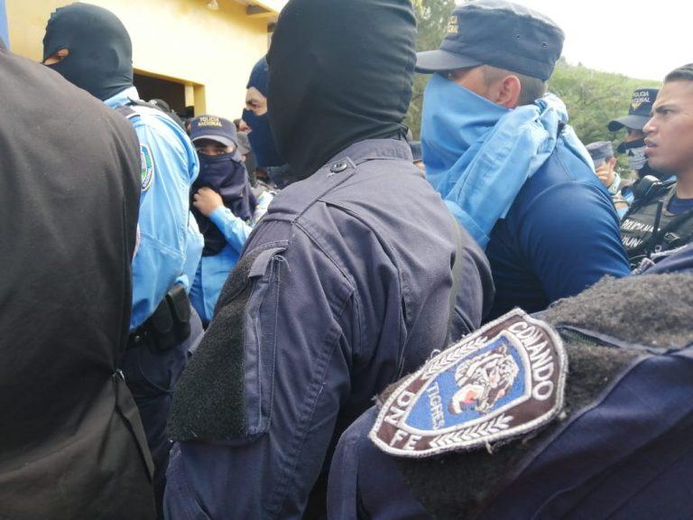 Agentes Especiales exigen al Gobierno que cumpla su promesa y respete los DDHH