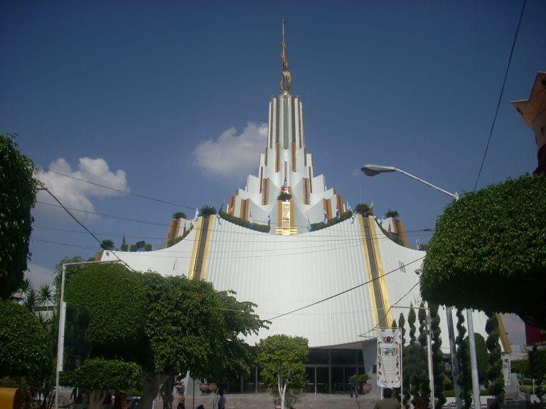 De pobreza a la vida de un «rey»: beneficios de la congregación de La Luz del Mundo