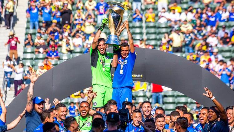 ¡Cruz Azul es campeón de la SuperCopa MX tras derrotar al Necaxa!