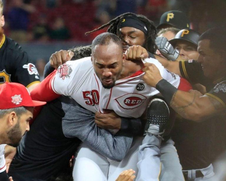 FOTOS: ¡La batalla campal entre Reds y Pirates de la MLB que recorre el mundo!