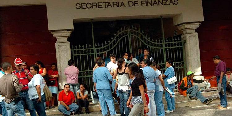 En L2,700 millones cae recaudación fiscal, según Secretaría de Finanzas
