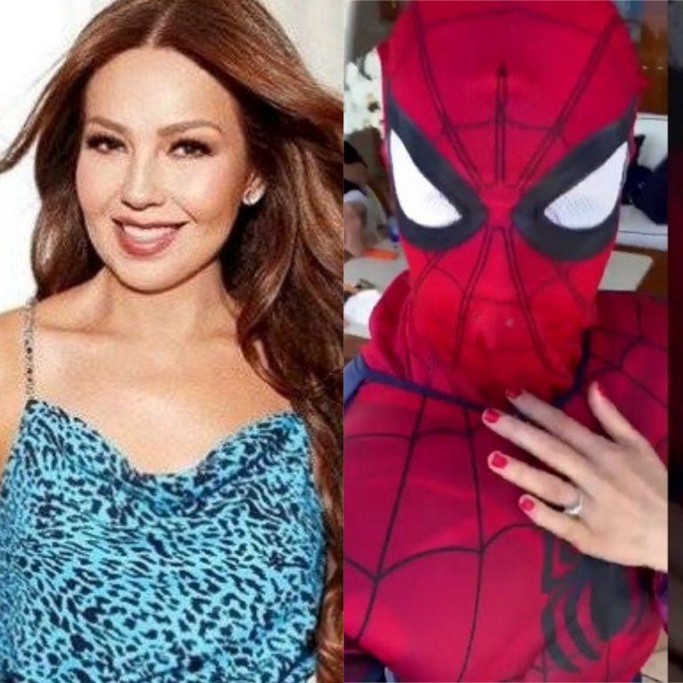 Thalía vuelve a hacer de las suyas en redes sociales y se disfraza de Spiderman