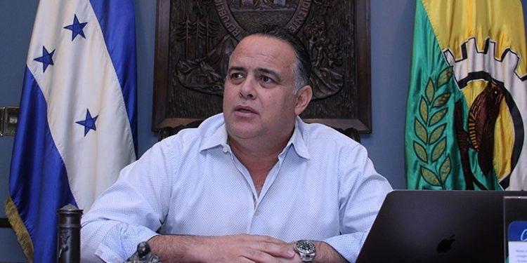 SPS: alcalde Armando Calidonio está estable tras procedimiento urológico