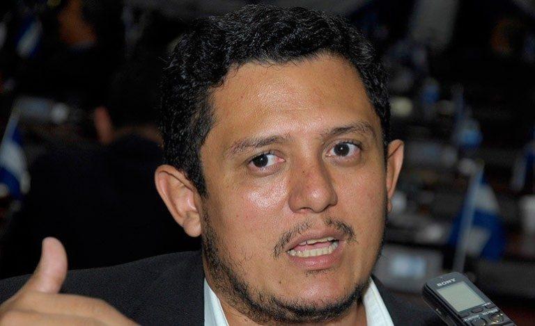 Diputado Edgardo Casaña rechaza acusaciones contra Libre por protestas escolares