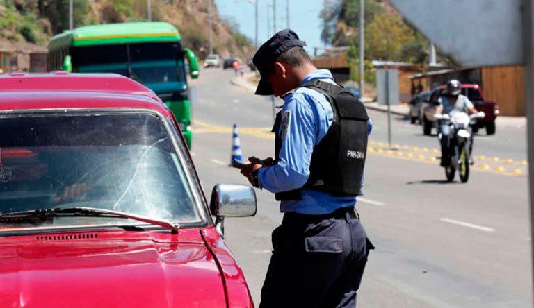Cortés: Bus «rapidito» quita derecho de vía a vehículo y ocasiona accidente