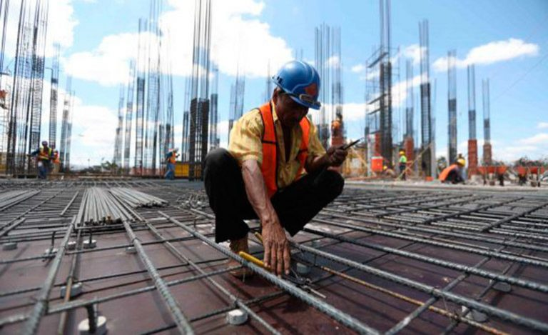 Escasez de agua provoca aumento en el costo de obras de construcción