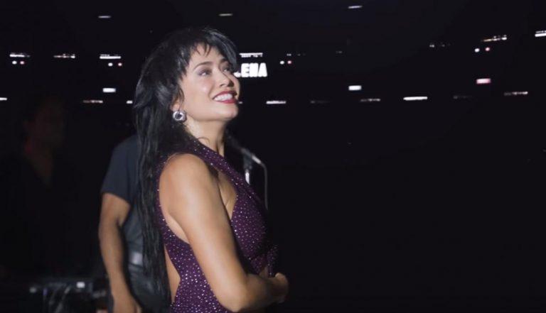 Esta noche se estrena la nueva serie de la reina del tex mex: «El Secreto de Selena»