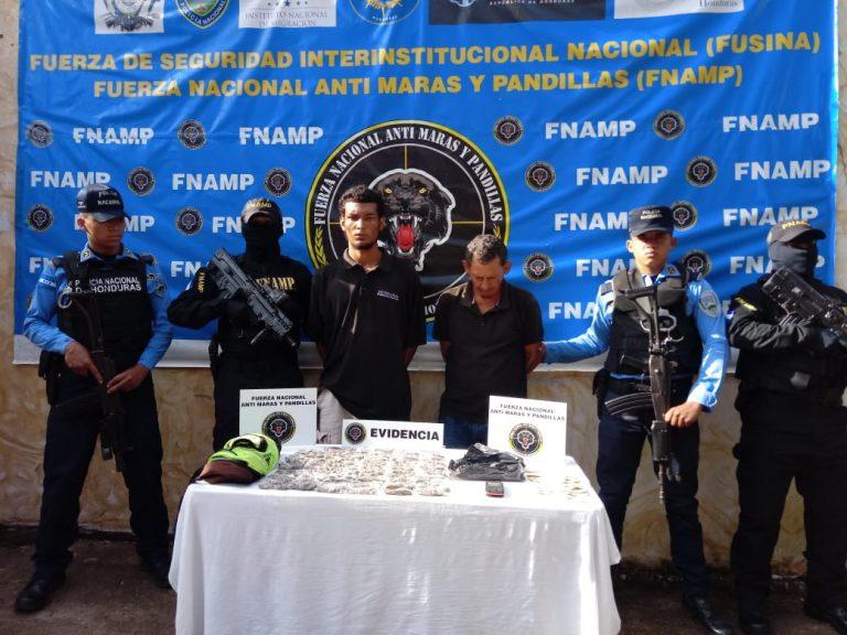 Con 80 bolsas de droga caen dos presuntos MS-13 en Comayagua
