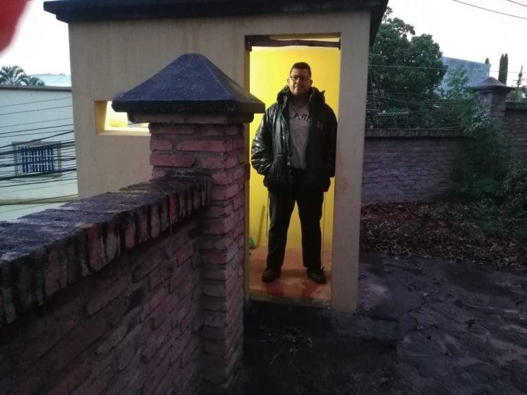 HISTORIA HUMANA: Henry Andino, el guardia de seguridad que obtendrá título como Mercadólogo en la UNAH