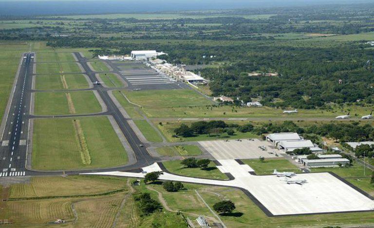 Por encuentro de paquetes sospechosos restringen acceso a base militar de Palmerola