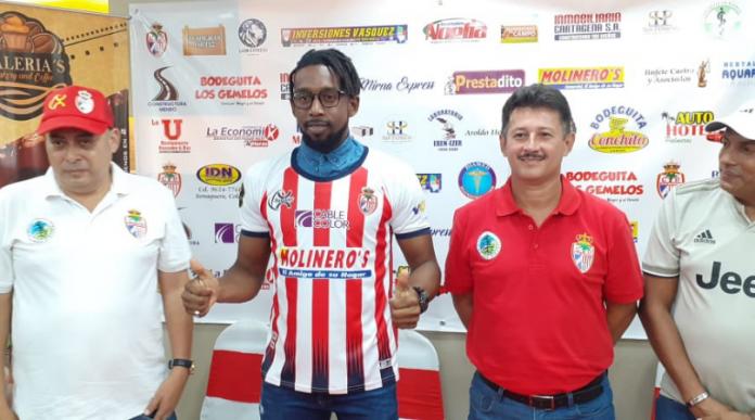 Real Sociedad presenta a Johnny Palacios como nuevo refuerzo tocoeño