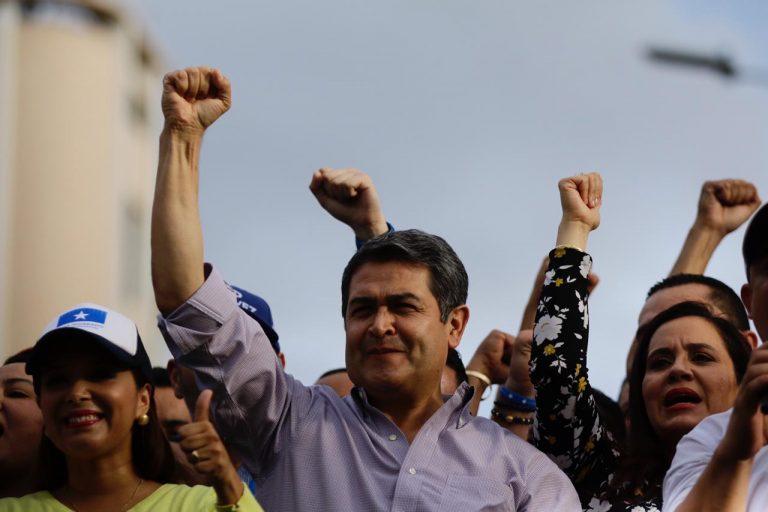 """JOH denomina a """"Mel"""" Zelaya, Nasralla, y Luis Zelaya cómo """"el eje del mal"""""""