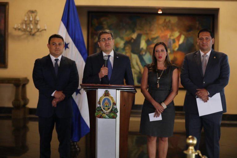 Juramentan a nuevos ministros de IDECOAS, COPECO y Turismo