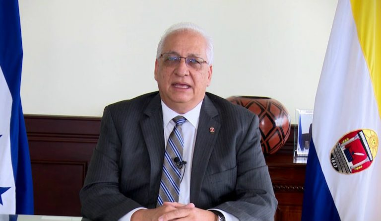 Rector de la UNAH pide investigar adquisición de bombas lacrimógenas por parte de encapuchados