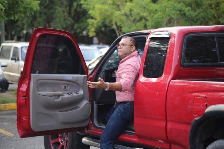SPS: hombre que apuntó a estudiantes con su arma en la UNAH-VS se defiende