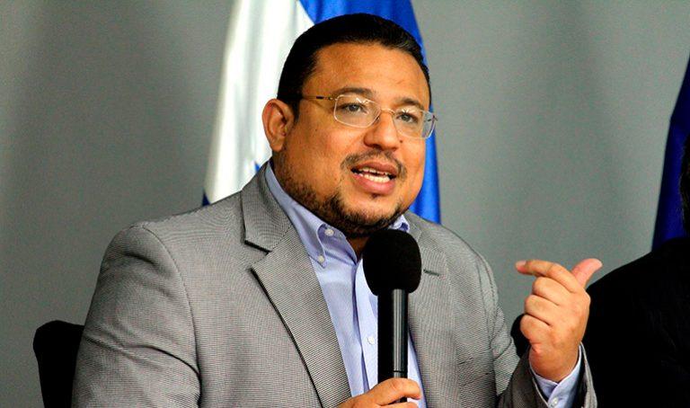 Consultan a Omar Rivera sobre el silencio que ha guardado ASJ ante acusaciones a JOH