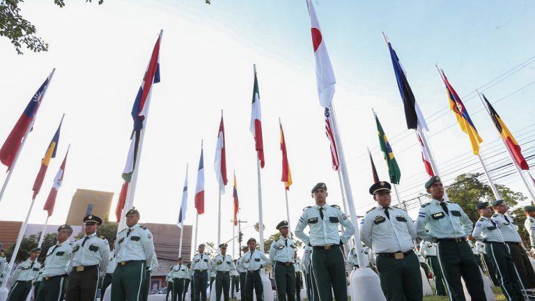 """Inauguran la """"Plaza de Banderas"""", el nuevo recinto cívico y cultural de SPS"""