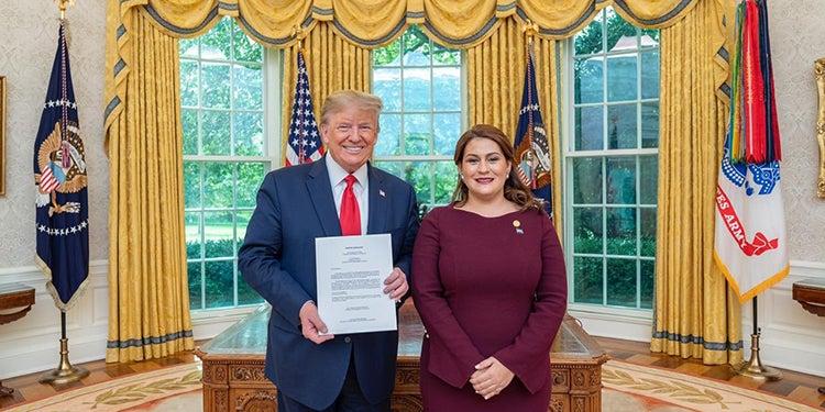 Ya es oficial, María Dolores Agüero Lara como embajadora de Honduras en EEUU