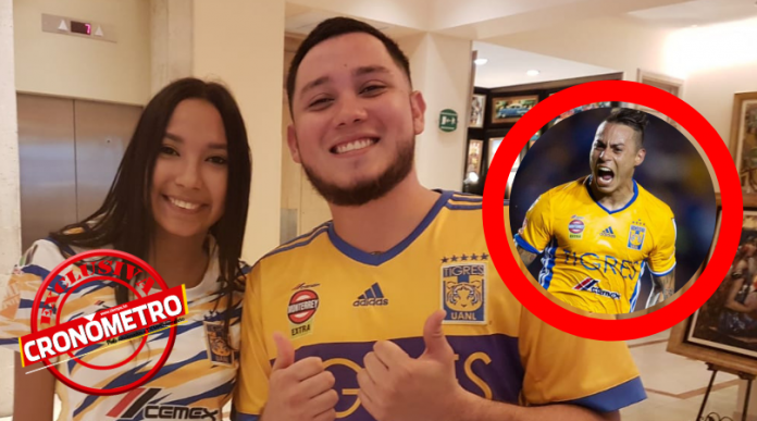 El gesto del chileno Eduardo Vargas con un catracho seguidor de Tigres