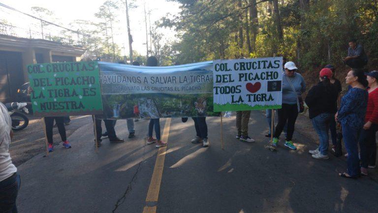 Tomas en la salida a Olancho y El Hatillo; Asfura se reúne con defensores de La Tigra