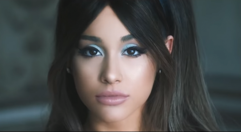 Ariana Grande estaría teniendo un nuevo romance con un cantante
