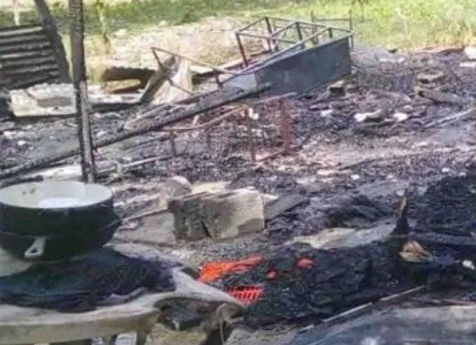 Incendio consume la vivienda de una familia en aldea El Carmen, San Pedro Sula