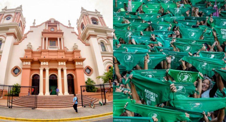 En el día por la despenalización del aborto, feministas dejan curioso cartel en la catedral de SPS