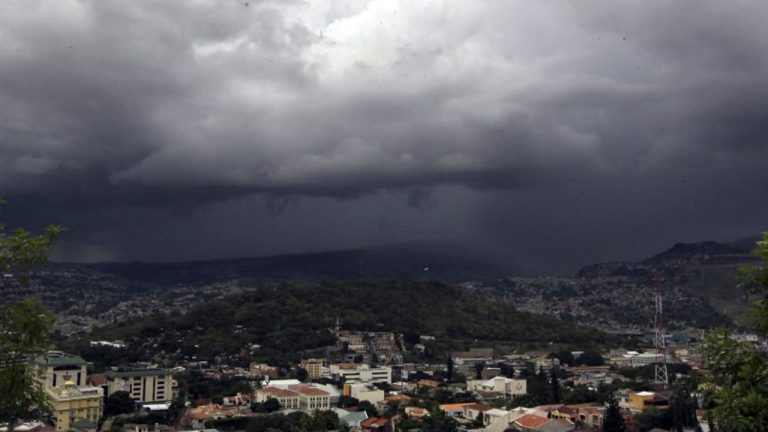 CLIMA DE ESTA TARDE: lluvias y chubascos en varias zonas de Honduras