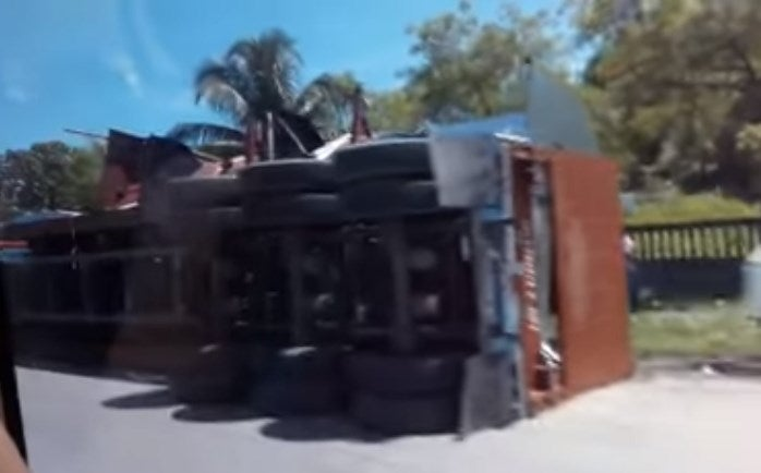 Accidente de rastra en Puerto Cortés deja a una persona herida