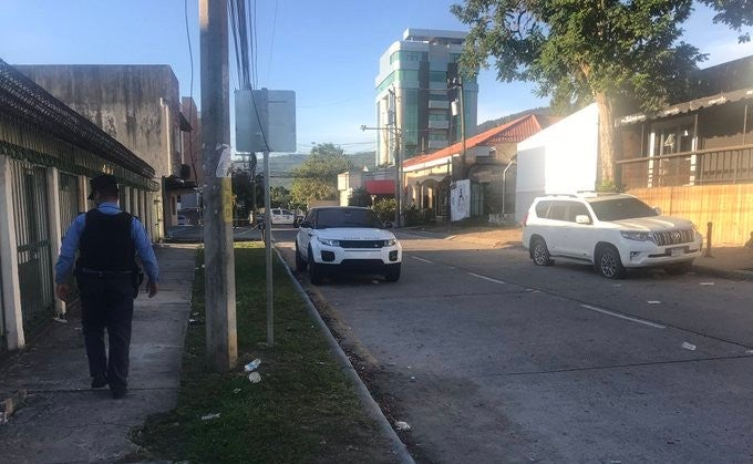 SPS: Dos personas resultan heridas tras balacera frente una discoteca
