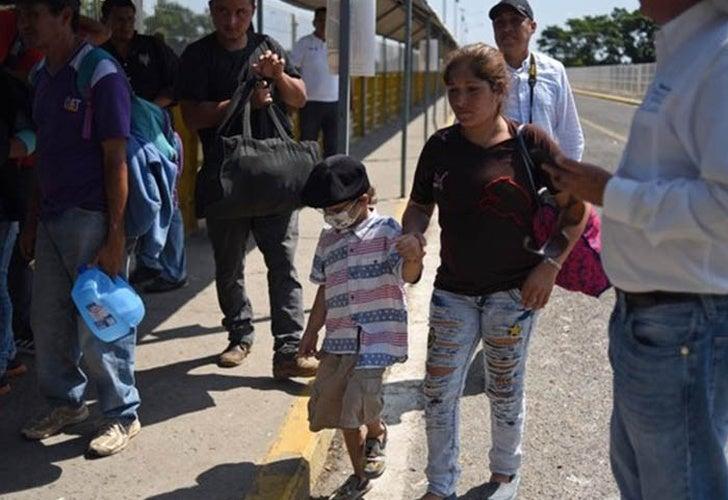 Muere niño de caravana migrante que llegó a EEUU para buscar cura contra el cáncer
