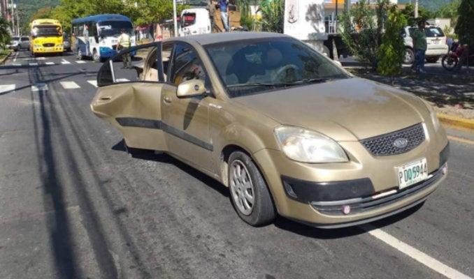 SPS: choque entre dos vehículos deja a una mujer herida en bulevar Morazán