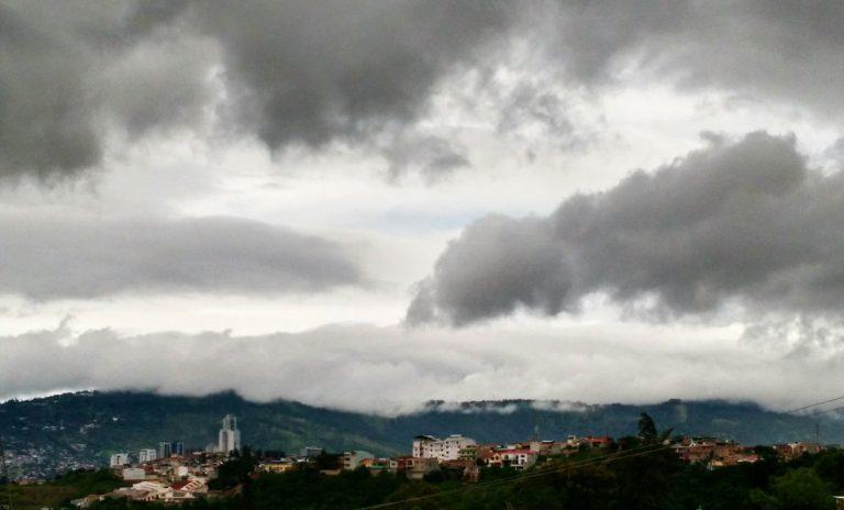 CLIMA DE ESTA TARDE: lluvias leves para el Oriente y Occidente de Honduras