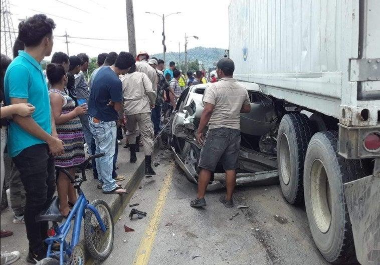 Impactante accidente en Choloma, Cortés; una mujer está herida