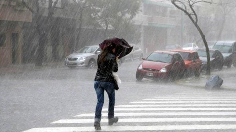 CLIMA PARA HOY: Fuertes lluvias con actividad eléctrica para todo el país