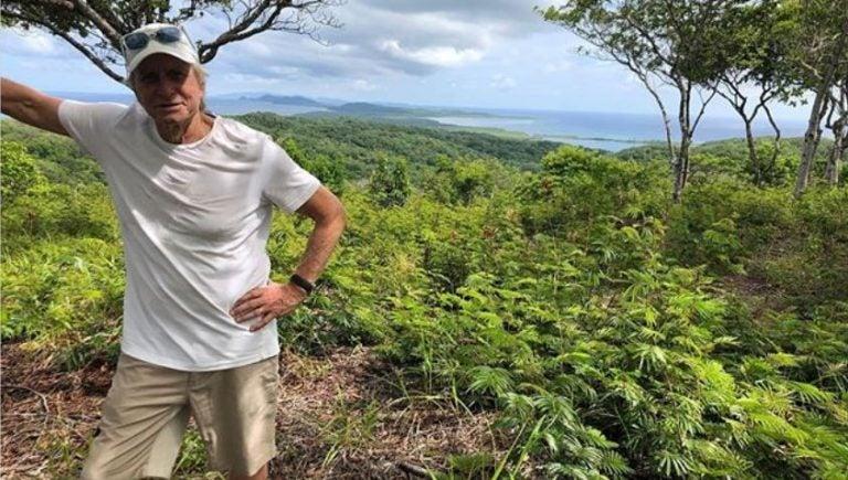 """Michael Douglas visita Honduras por cuarta vez: """"Buenos días, Roatán"""""""