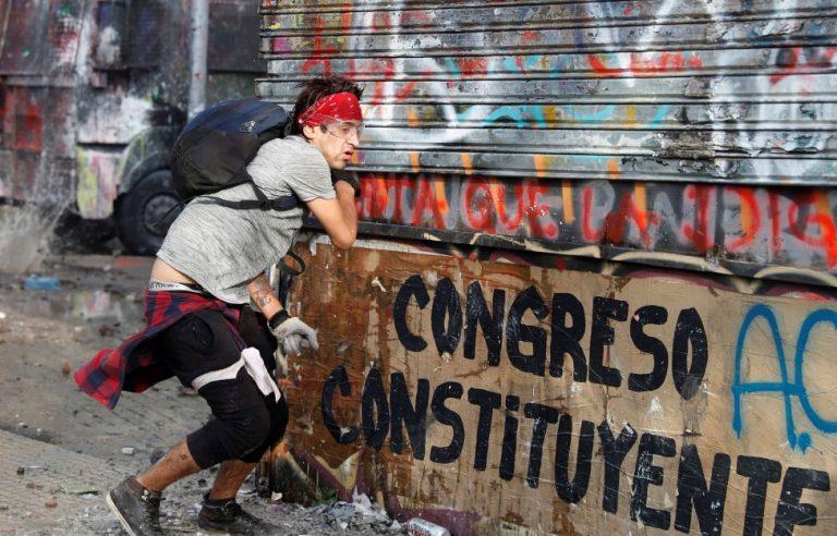 Estallido social: Chile a plebiscito para decidir si cambia la Constitución