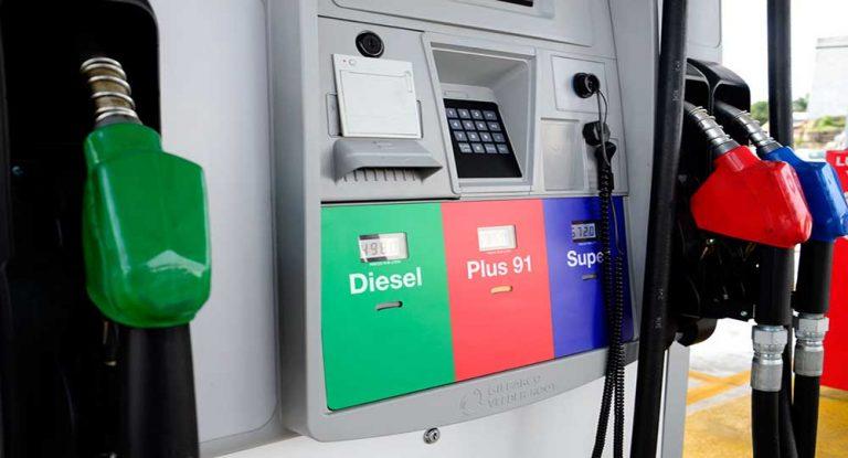 Leves variaciones en el precio de los combustibles a partir del lunes