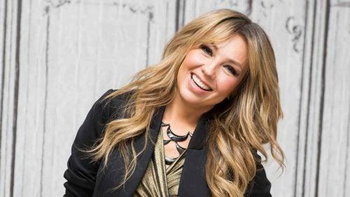 Thalía viraliza las redes con «Arrasando Challenge»