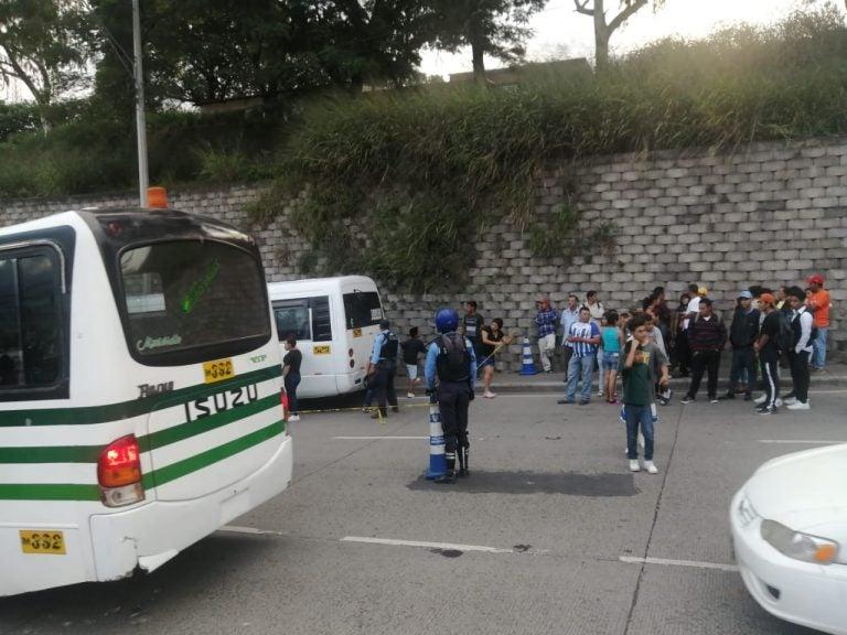 Ultiman de varios balazos a hombre dentro de un autobús en Tegucigalpa