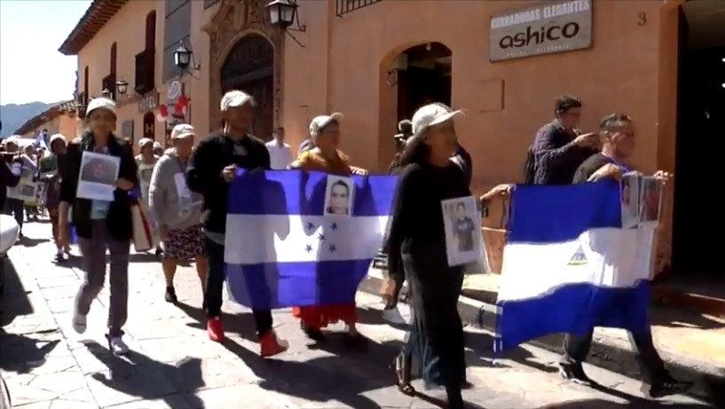 Caravana de madres hondureñas llega a México en busca de sus hijos