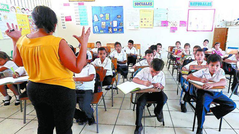 Próximos días devolverán 8 % de deducción a maestros de Honduras