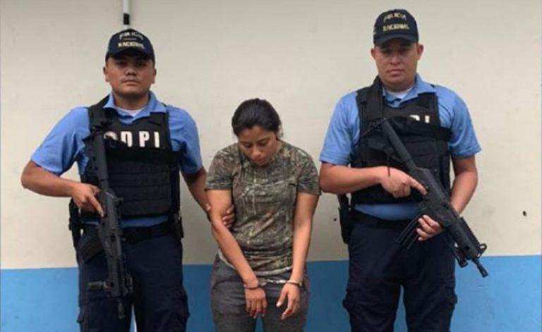 Rescatan a niño presuntamente secuestrado y capturan a su tía en SPS