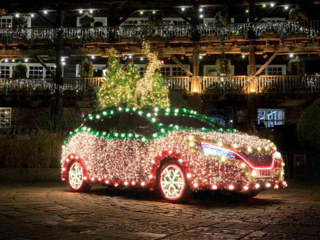 Nissan Leaf está decorado con miles de luces LED