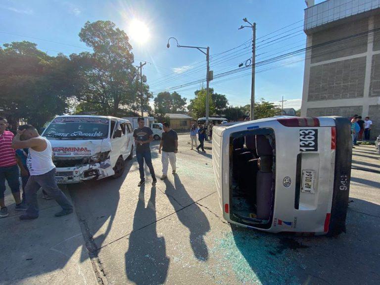 Doble choque de «rapiditos» en SPS deja 10 heridos