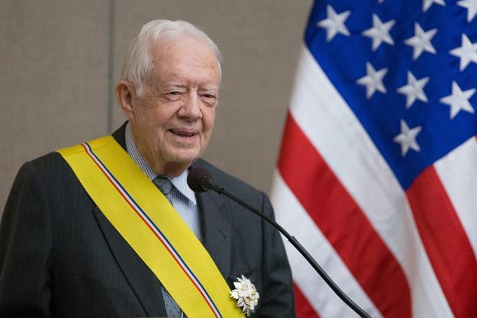 Jimmy Carter en un hospital por una infección del tracto urinario