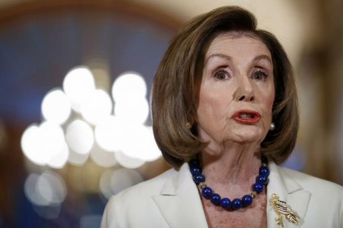 Nancy Pelosi pide redactar los cargos para el juicio político a Trump