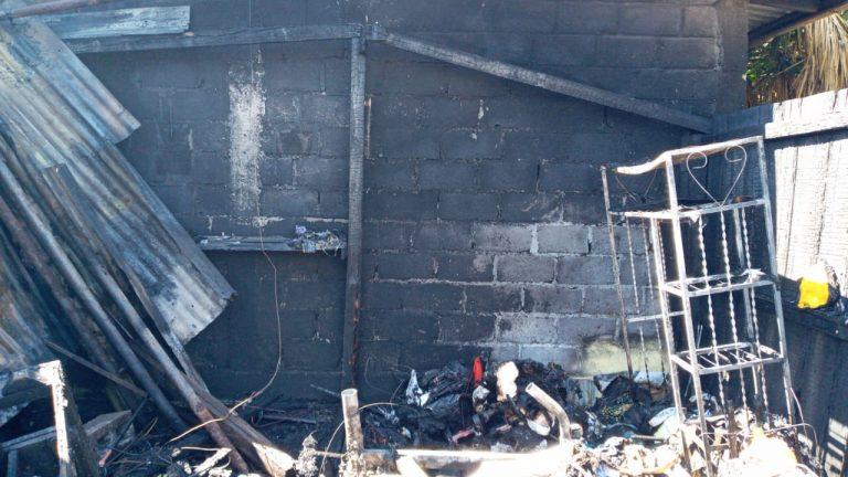 TGU: incendio estructural acaba con un salón de belleza en La Trinidad